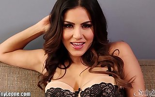 SunnyLeone Nudie on high the couch