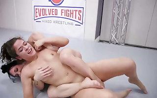 Victoria Voxxx vs Brandi Mae concerning hot lesbian sex fight