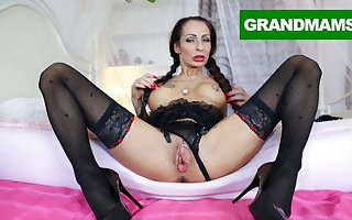 Mature Slut trying out her Large Labia