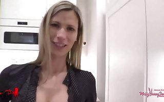 MelanieSchweiger: Do men jerk off to porn every day?