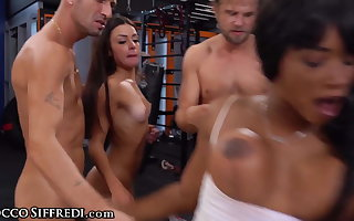 Kiki Minaj And Her Client Get Pounded By 3 Jocks At The Gym