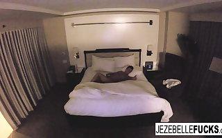 Nude Jezebelle Marriage hangs outside take her hotel room