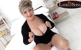 Busty mature Lady Sonia wants you to wank to will not hear of tits