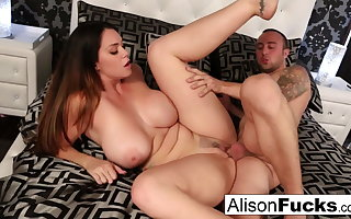 Alison's wet throbbing pussy gets stuffed wits Chad