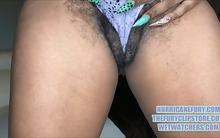 MAJOR SQUIRTING: MY Queasy MEATY PUSSY GOT CREAMY!