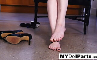Redhead Bree Daniels has some alone length of existence
