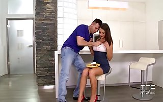 Choky Ice fucks the insatiable Sex Goddess Foxy Di