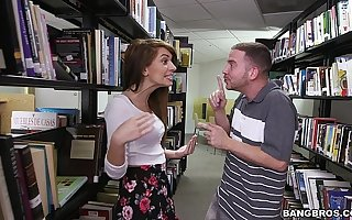 Pang a hot teen brunette (Joseline Kelly) everywhere the Library