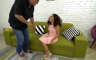 I'm a really special nanny! - Melody Petite, Bruno SX