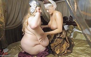 2 big pair medieval queens