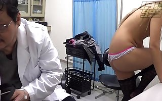 Fake Doctor: Mini Student
