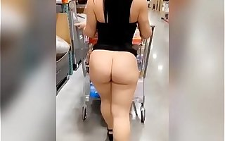 Shopping and Flashing - Jade Jayden