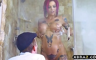 Big tits emo pornstar Anna Bell Peaks bang in a shower